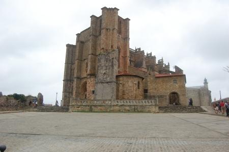 Iglesia de Castro-Urdiales, preciosa.